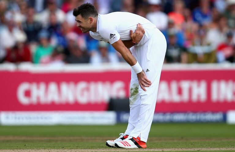Side Strain Injury in Cricket I It's Symptoms and Causes I
