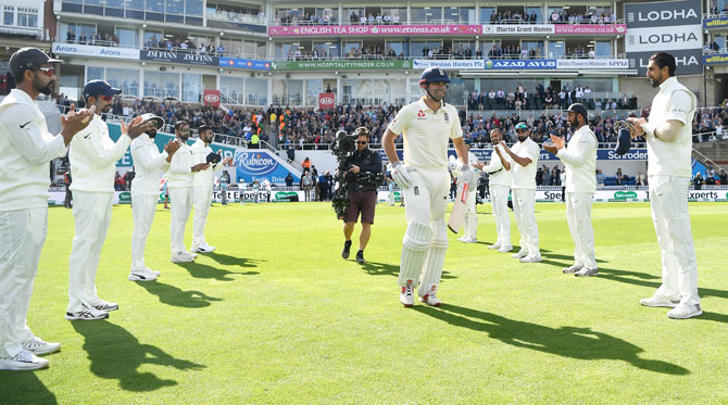 Guard Of Honour In Cricket